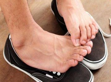 Trị hôi chân, ra mồ hôi chân tay bằng bài muối khoáng đen thơm nồng mùi thảo dược